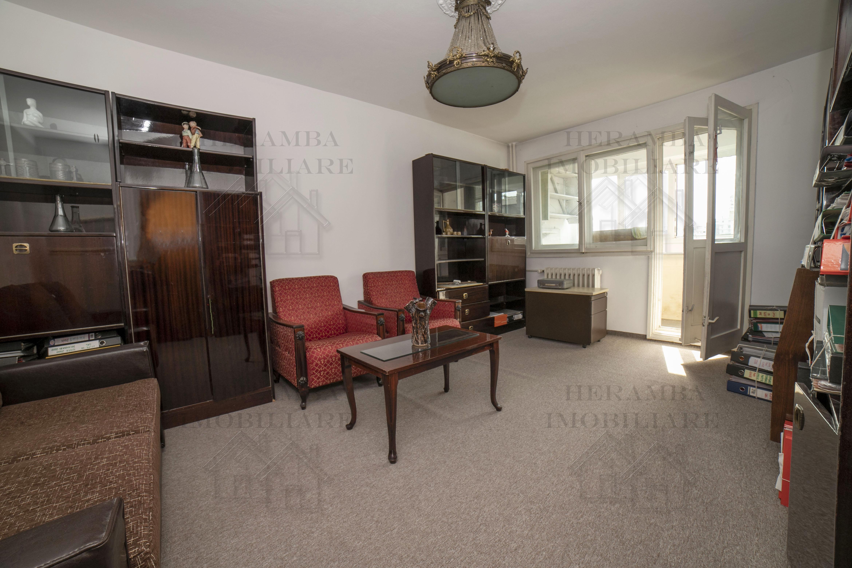 Apartament 2 camere decomandat, zona Campia Libertatii Baba Novac, nloc reabilitat, etaj 4/10